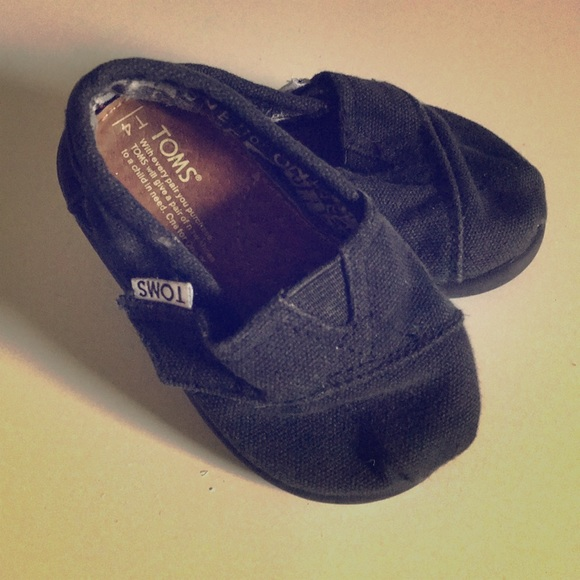 "Toms Other - Tom's black ""Tiny Toms""T4 child's Classic shoe"